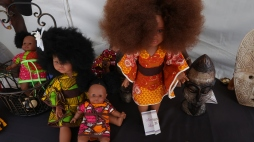 AfroPunk Paris 2017 - 3 bonecas dolls